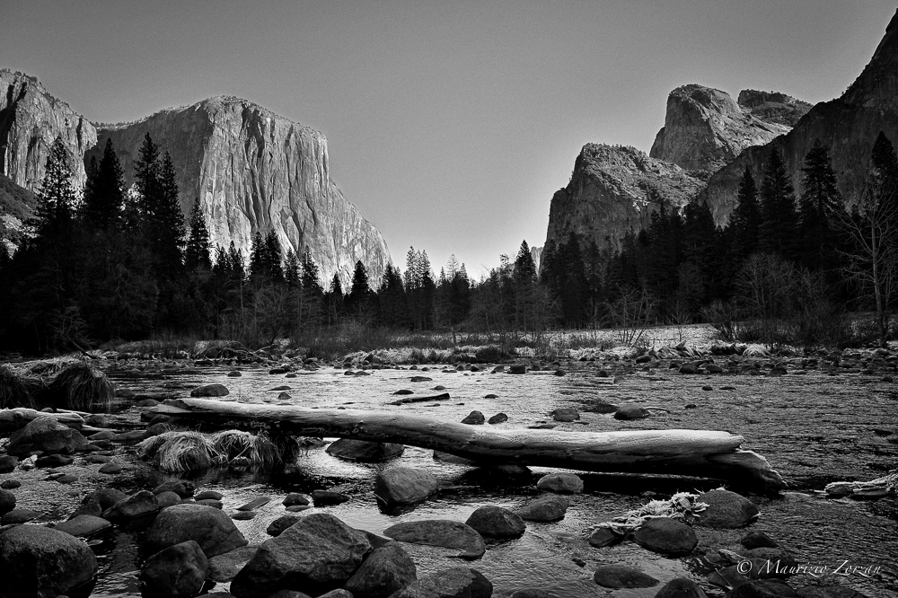 Gates of the Valley BW