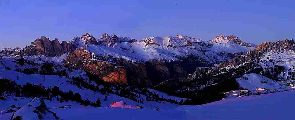 Puez-Odle al Tramonto in inverno dal Passo Sella. Val Gardena, Naturpark Puez-Geisler, Alto Adige