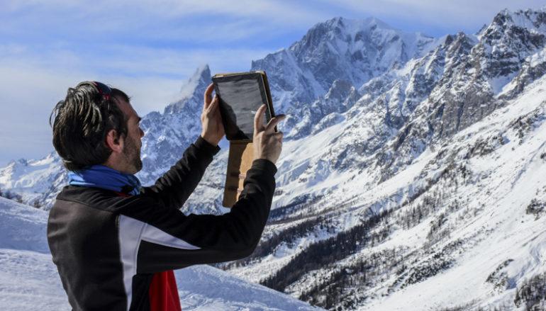 PeakVisor un app per riconoscere le vette intorno a noi.